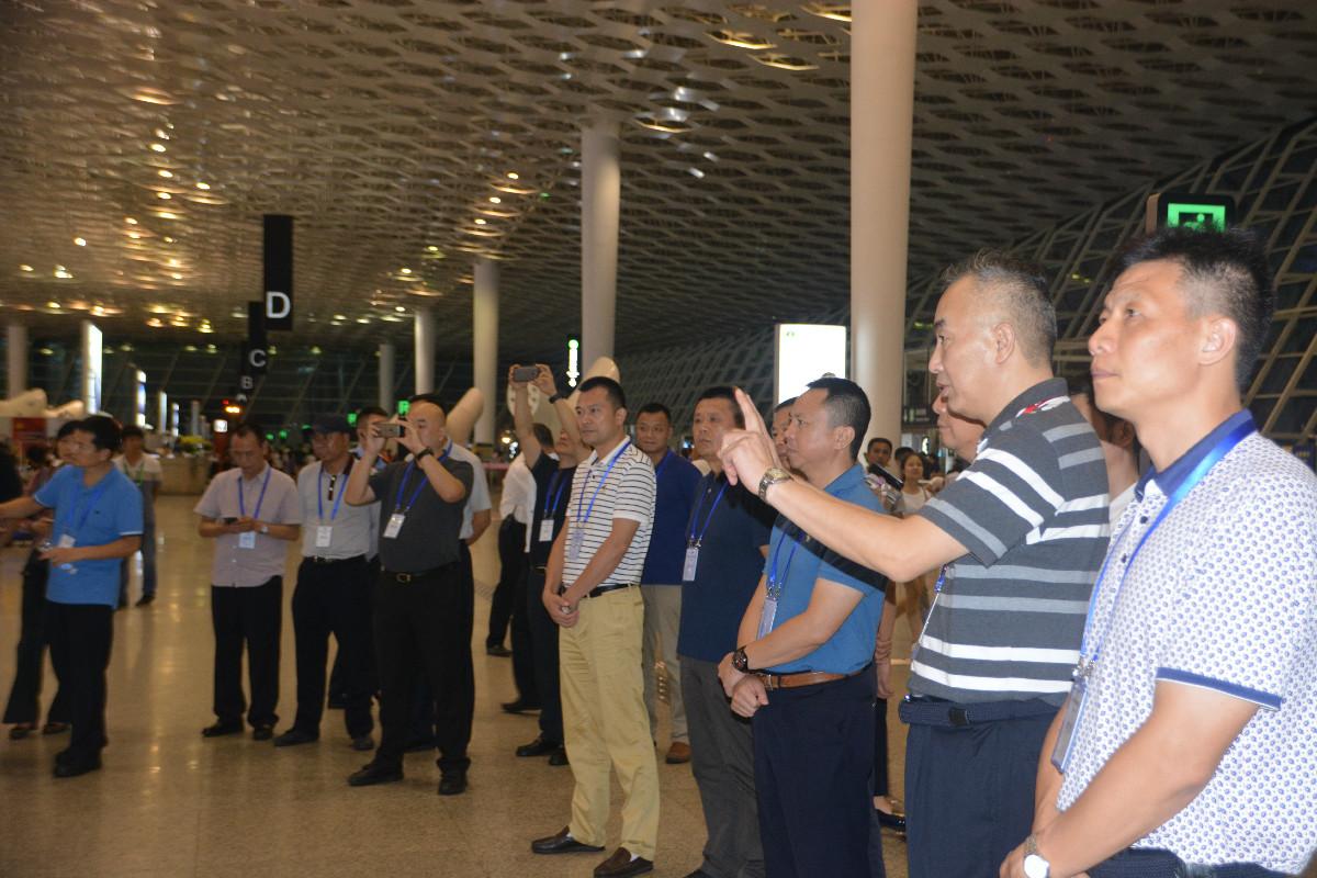 民航公安情报信息工作培训班学员在深圳机场现场学习